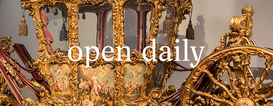 "Banner 2 - ""open daily"""